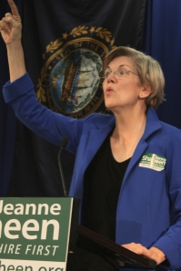 picture of Senator Elizabeth Warren stumping for Senator Jeanne Shaheen
