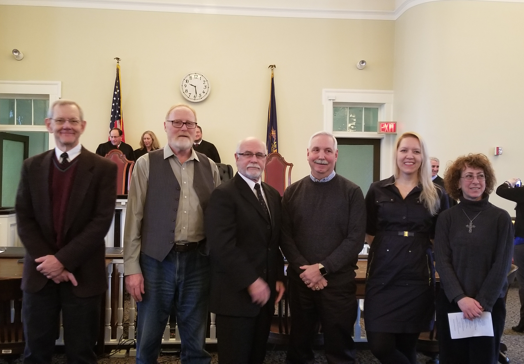 Newly sworn-in council members and mayor 20171229_092854